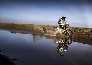 HIGHLIGHT VIDEO: DAKAR 2017 VOM ROCKSTAR ENERGY HUSQVARNA FACTORY RACING TEAM