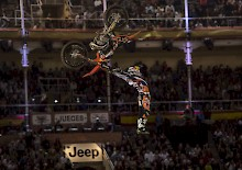 Sherwood gewinnt Red Bull X-Fighters in Madrid