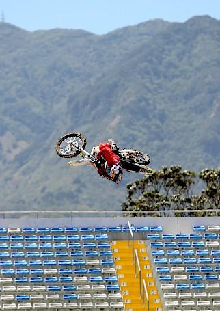 Dirt Biker: Luc Ackermann erobert Costa Rica