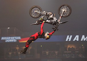 Team Deutschland verteidigt den Titel beim Freestyle of Nations der NIGHT of the JUMPs