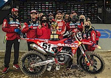 HISTORISCHE NACHT FÜR TROY LEE DESIGNS/RED BULL/GASGAS FACTORY RACING TEAM.